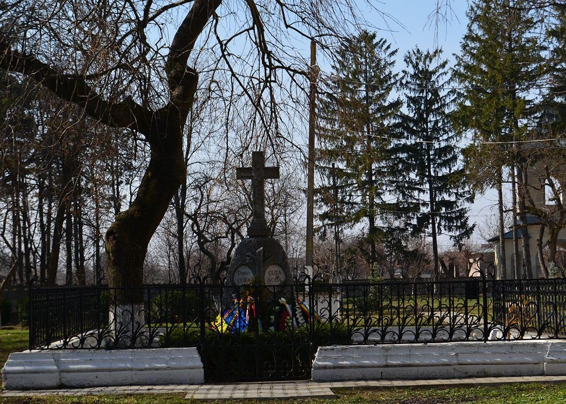 Cuza's grave